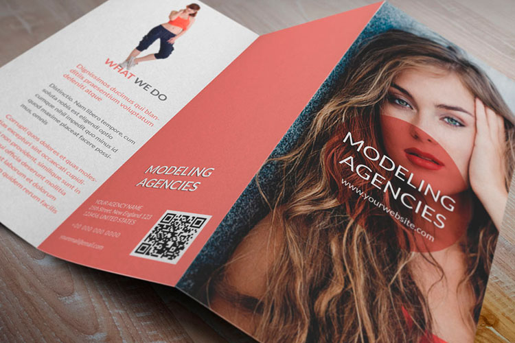 https://cdn.4over4.com/assets/products/3/trifold-brochure-printing-1.jpg