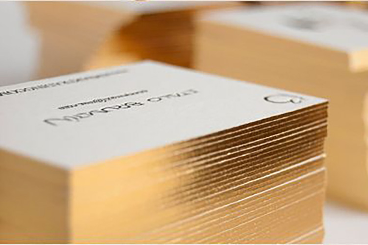 https://cdn.4over4.com/assets/products/485/Edge-Gilded-Business-Cards-5.jpg