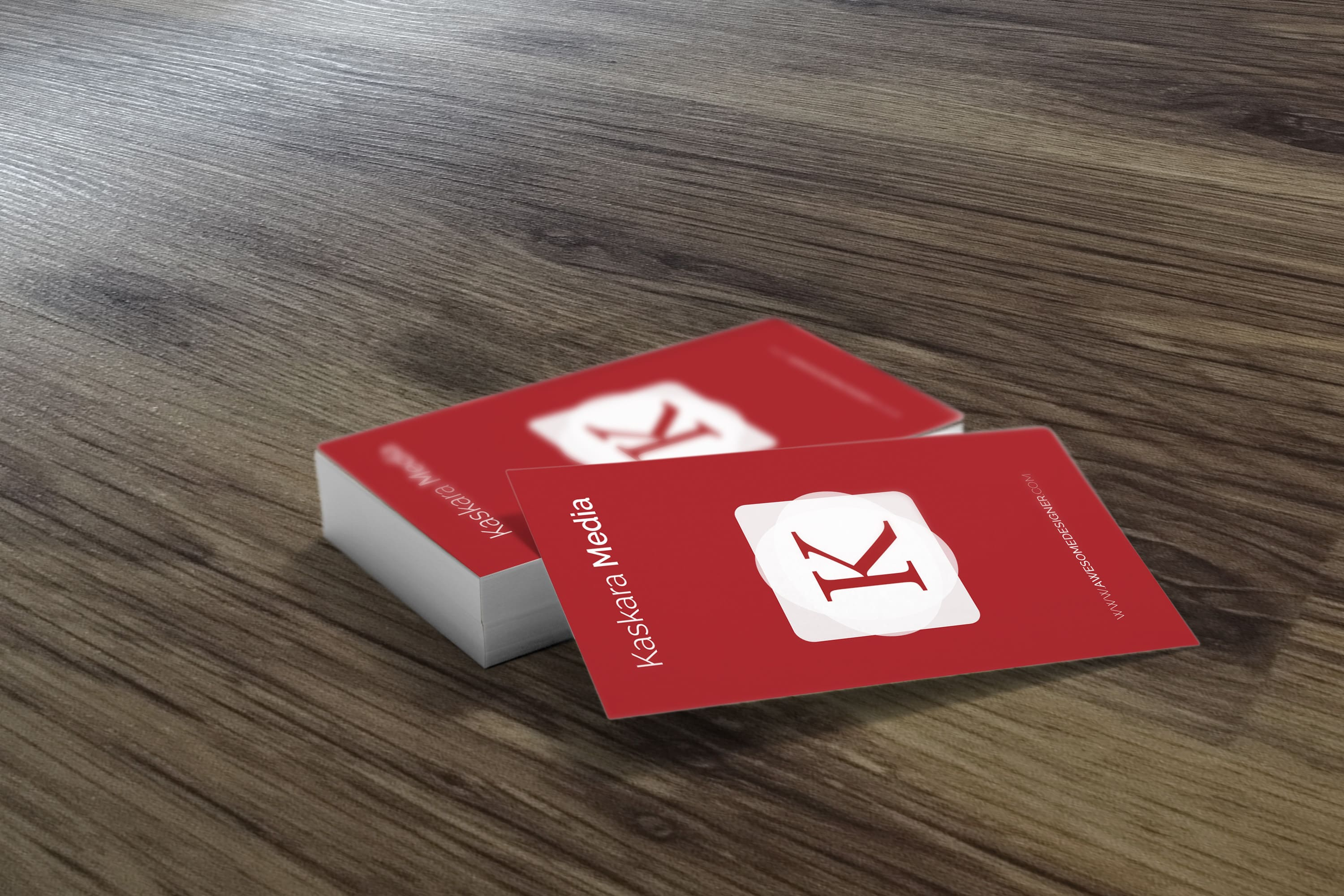 https://cdn.4over4.com/assets/products/64/silk-laminated-business-cards-2.jpg