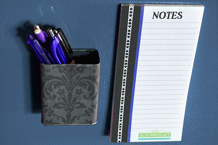 https://cdn.4over4.com/assets/products/71/magnetic-notepads-1.jpg
